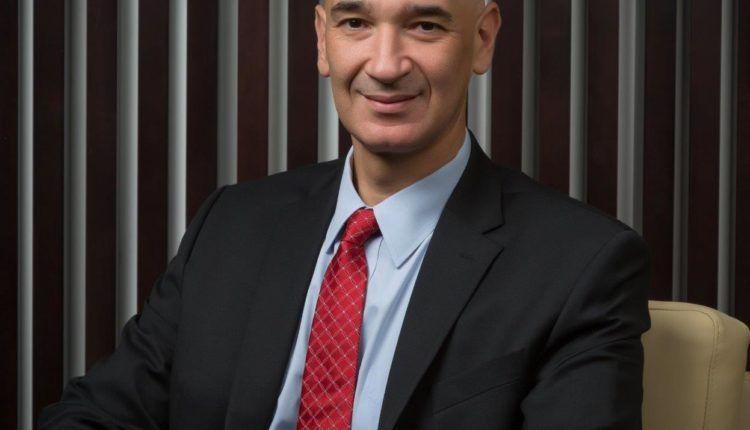 سيد حشيش المدير العام الإقليمي لدى شركة مايكروسوفت الخليج