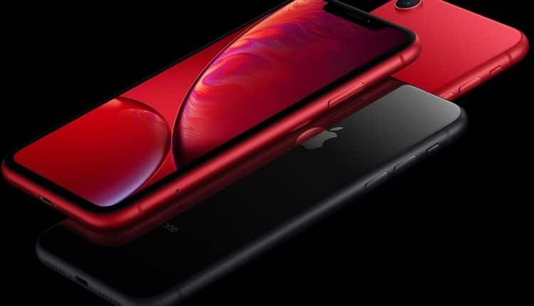 مقارنة شاملة بين هاتف سامسونج Galaxy S10E وهاتف آبل iPhone XR