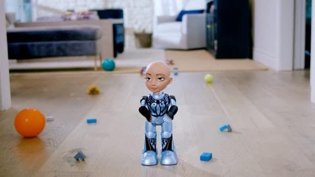 روبوت Little Sophia لتعليم الأطفال الذكاء الاصطناعي والبرمجة