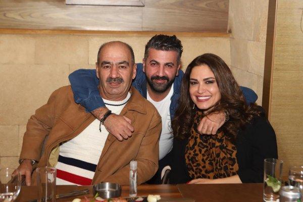 المخرجة رندلى قديح والمخرج شموري ووالده