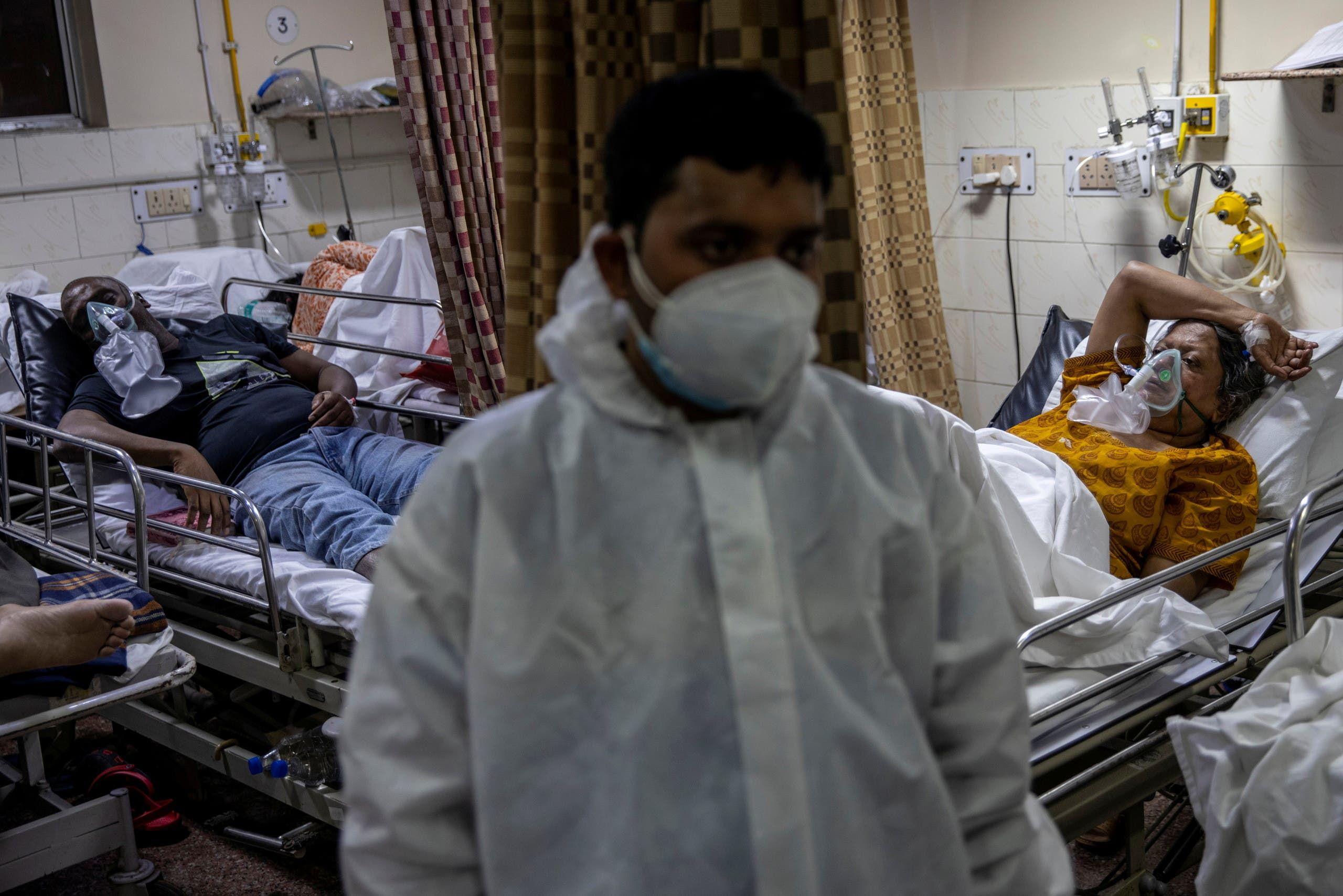 مستشفى في نيودلهي مكتظ بالمصابين بكورونا