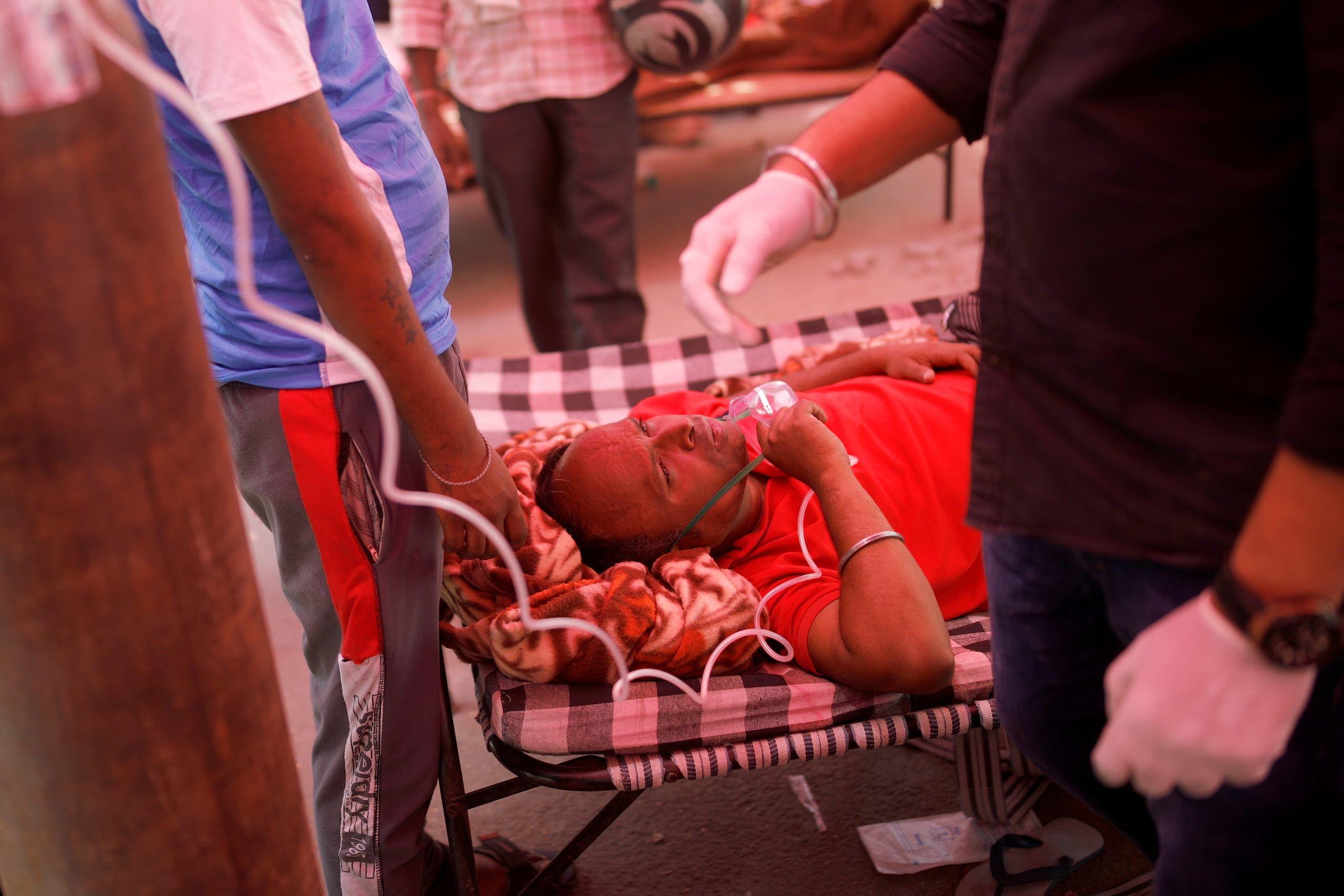 أحد المصابين بكورونا في الهند