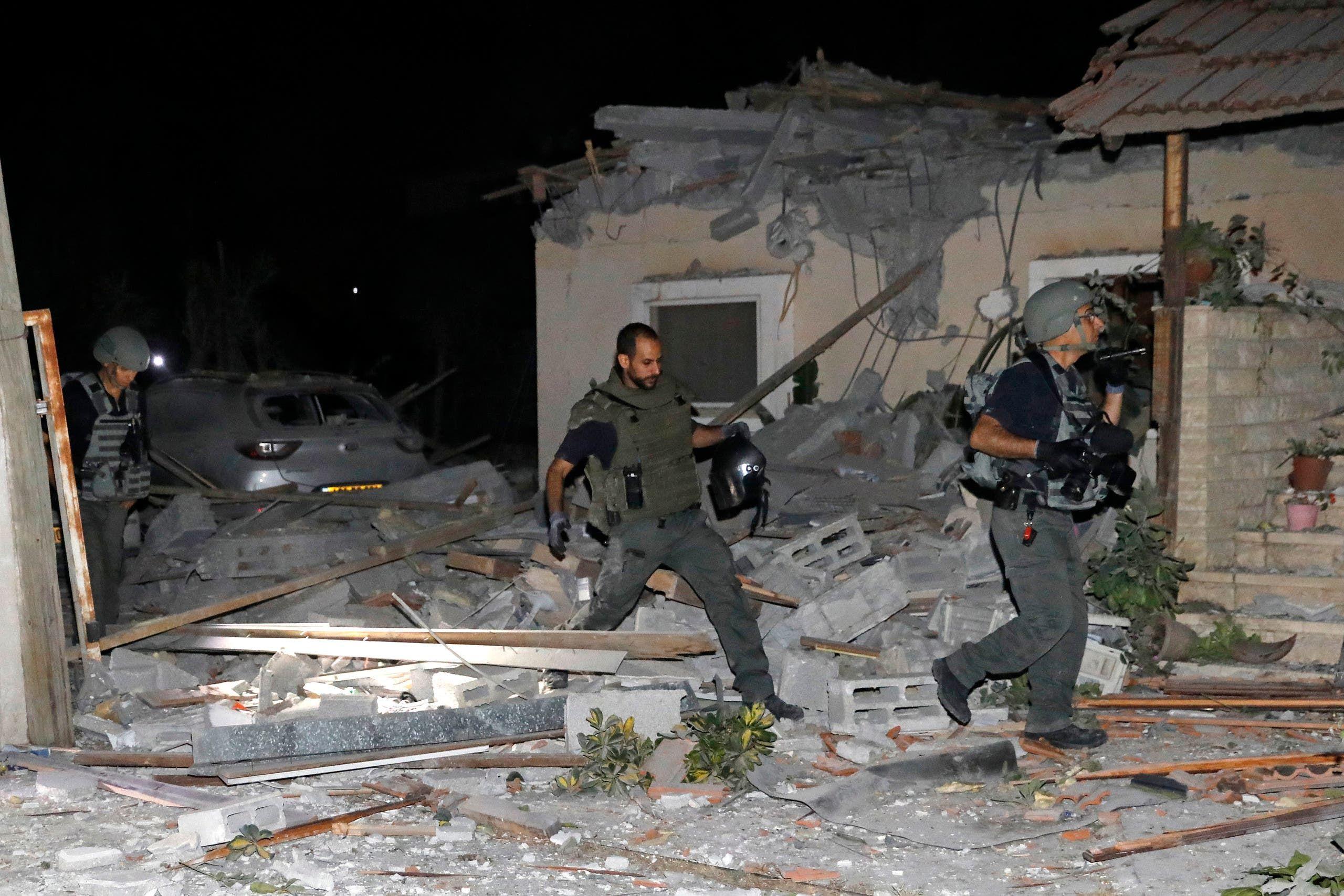 تل أبيب بعد تعرضها لرشقة صواريخ من غزة (رويترز)