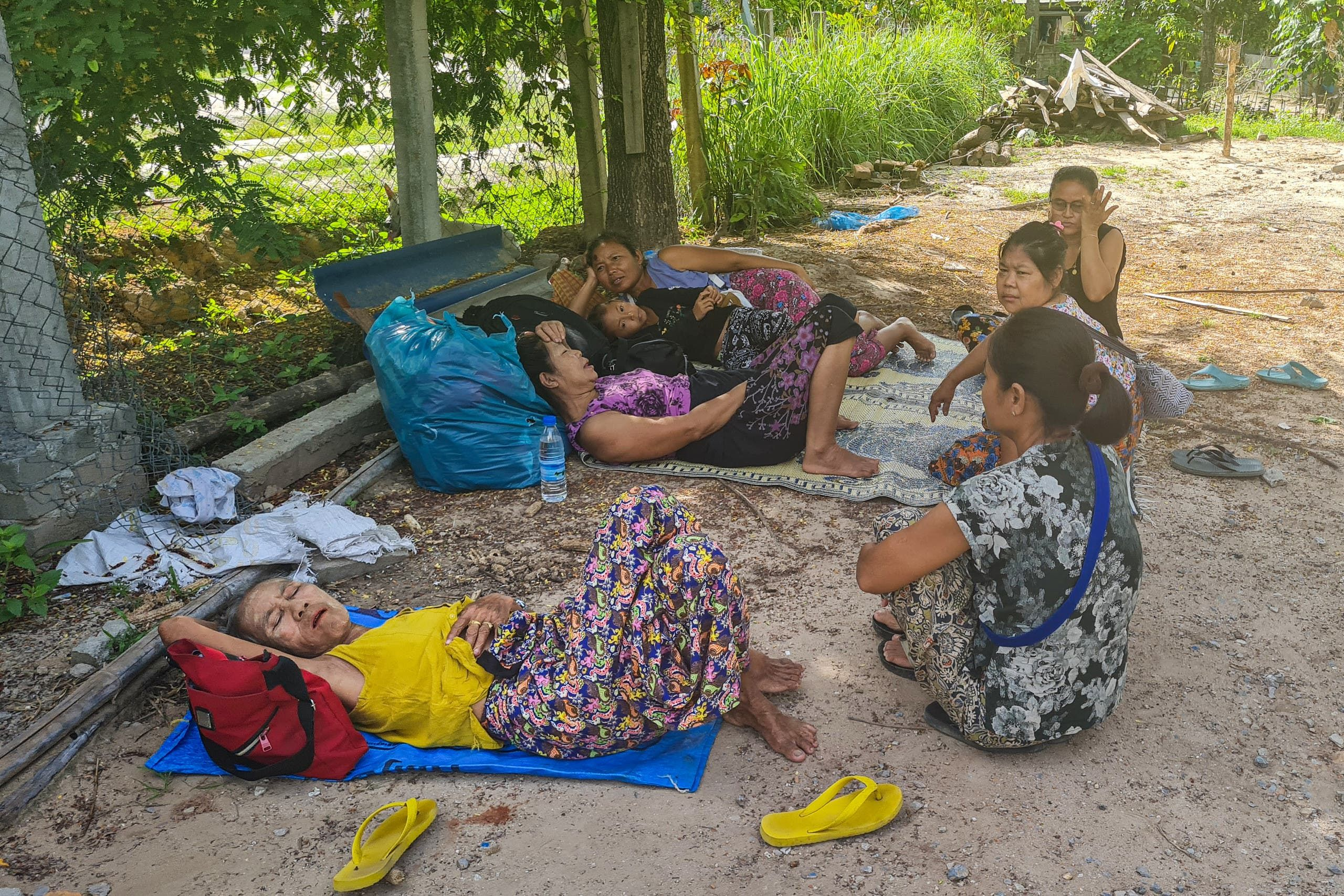 نازحون في إقليم كارين بسبب القتال الدائر