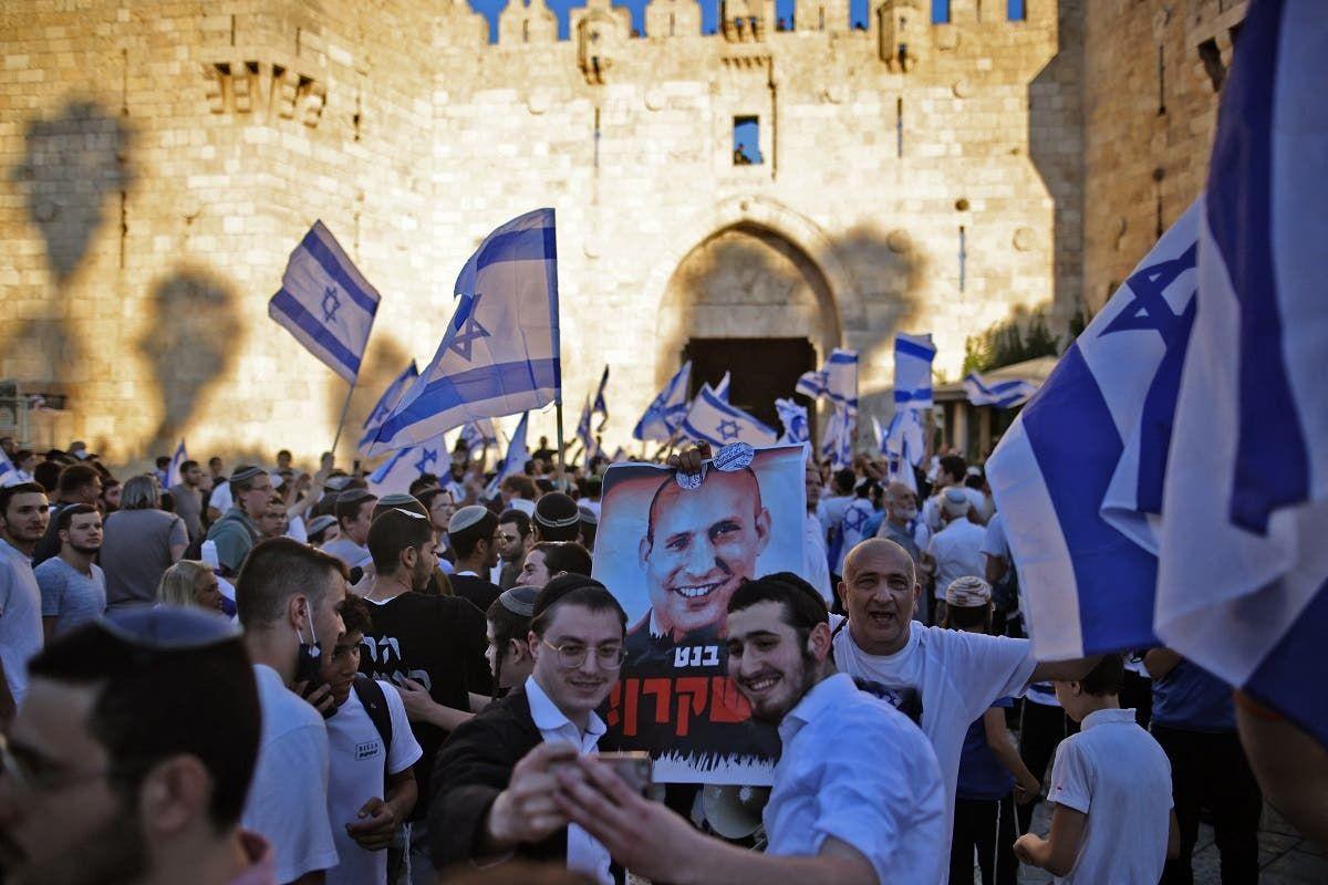 من مسيرة الأعلام