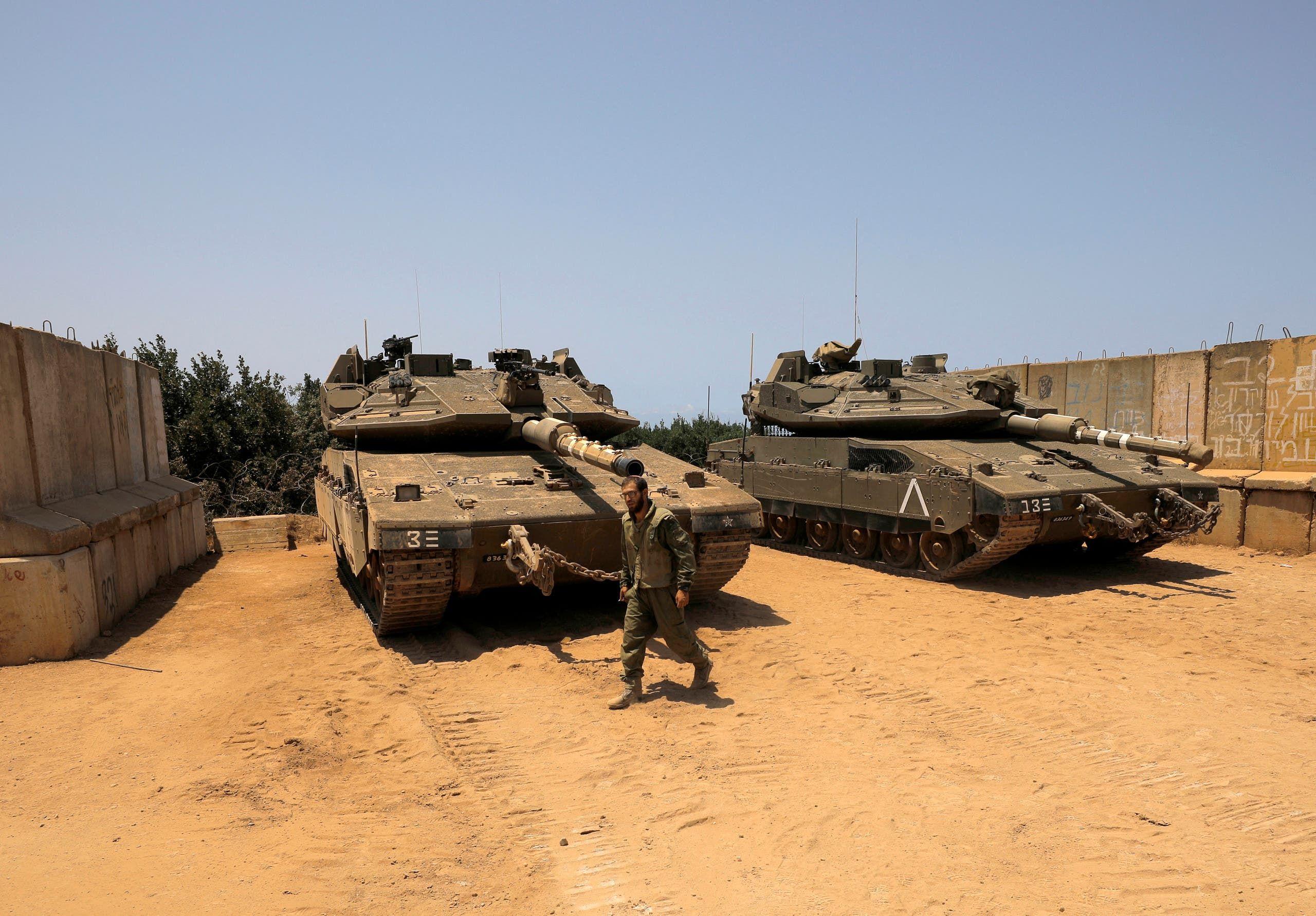 مدفعية الجيش الإسرائيلي على حدود لبنان بعد سقوط صاروخ في 20 يوليو الماضي في شمال إسرائيل