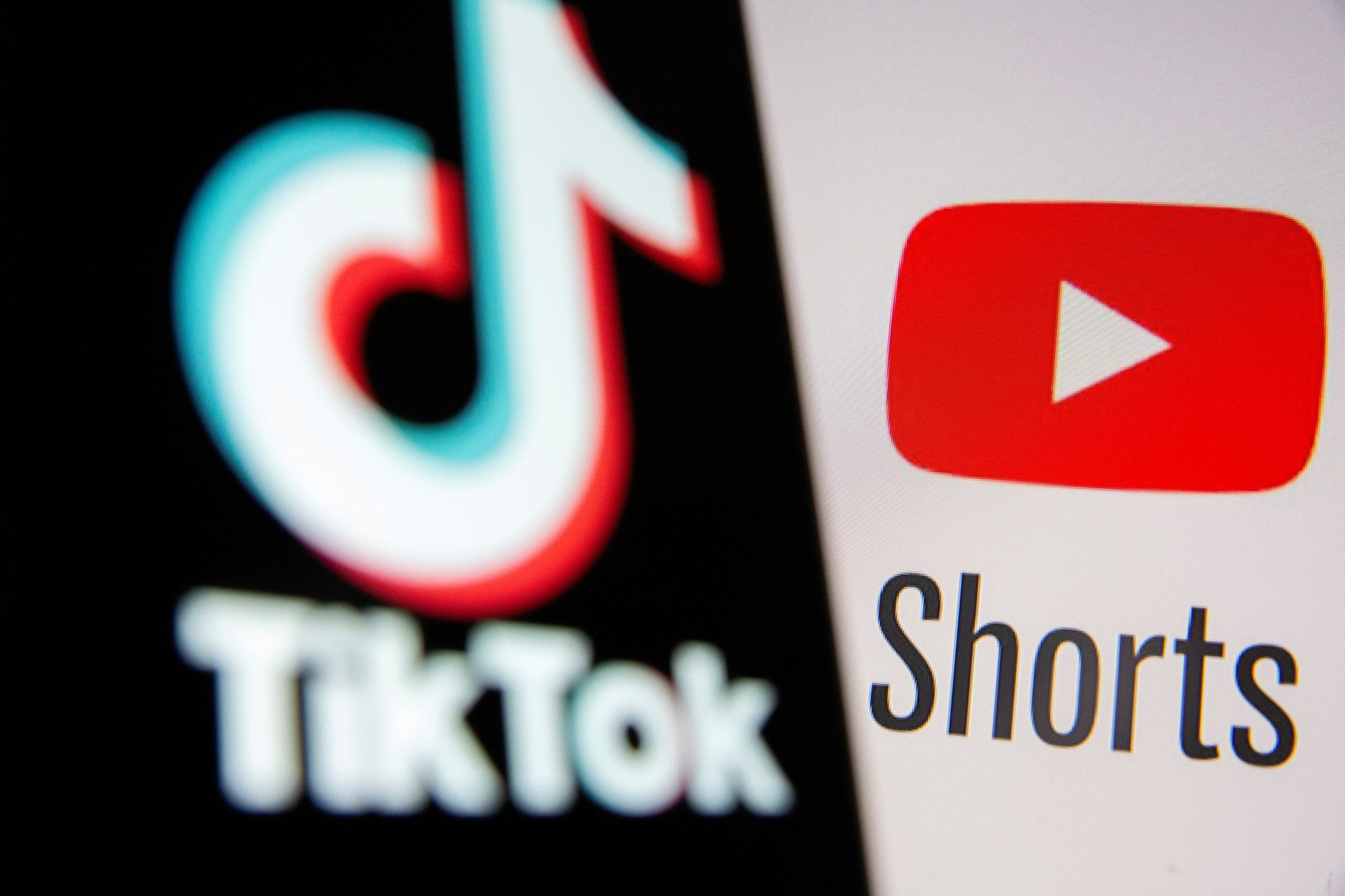 يوتيوب وتيك توك