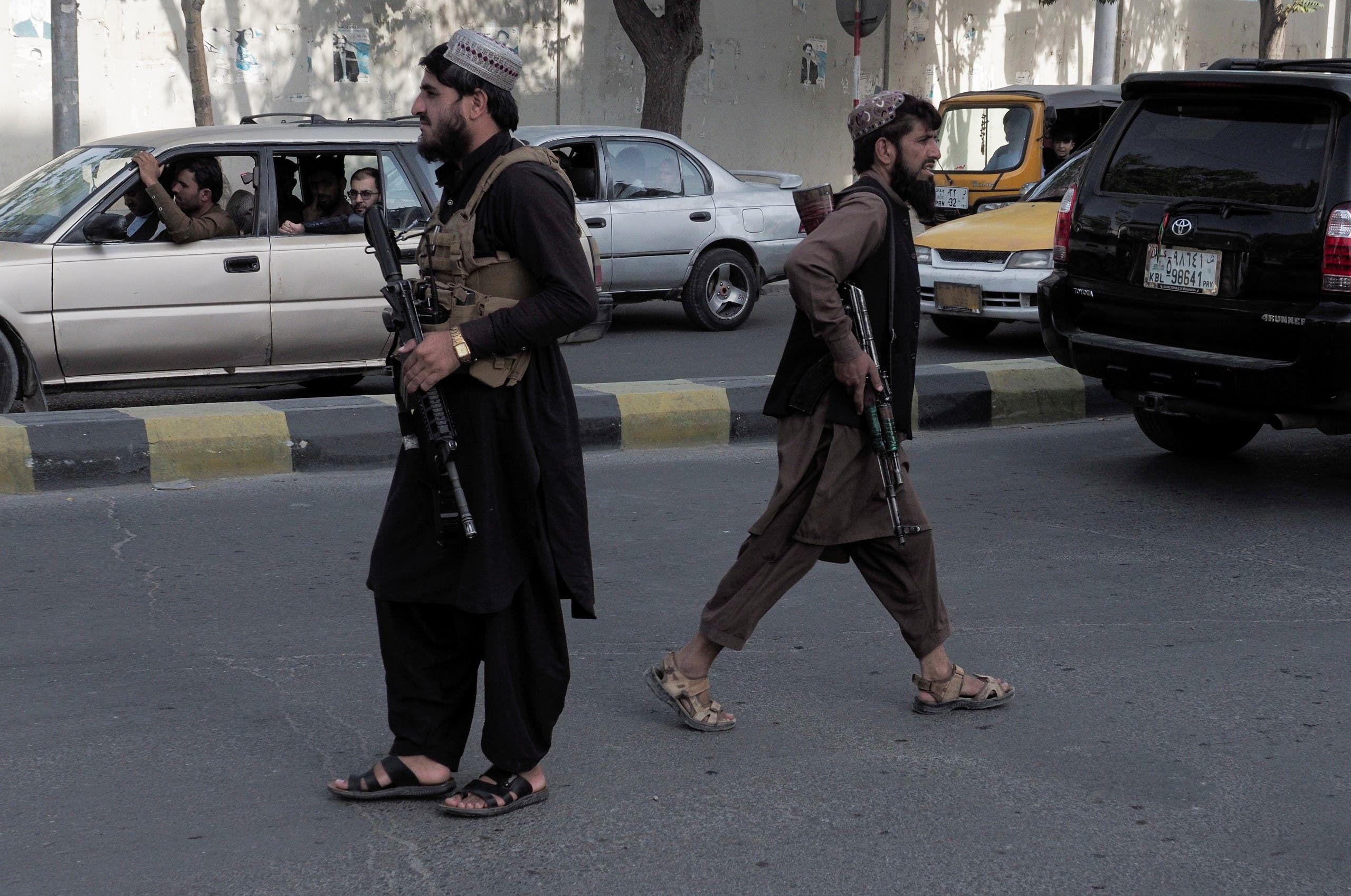 عناصر من طالبان في احد شوارع كابل (أرشيفية من رويترز)