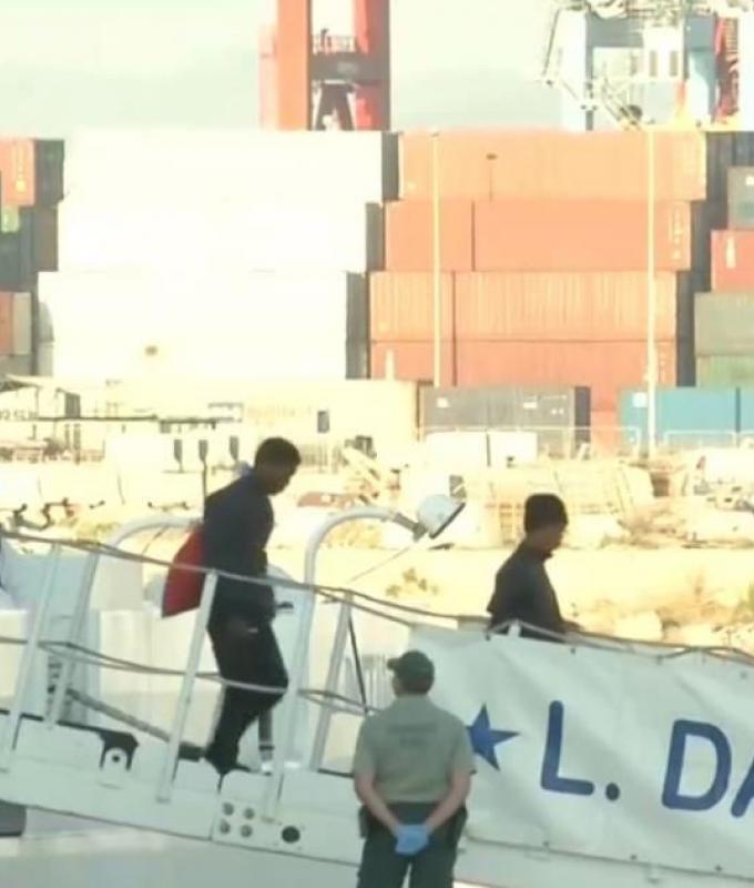 """لاجئو """"أكواريوس"""" يقطعون 1500 كلم ويصلون فالنسيا"""