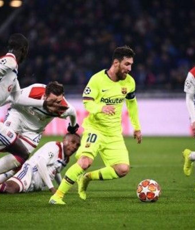 برشلونة يعود من فرنسا بالتعادل السلبي مع ليون