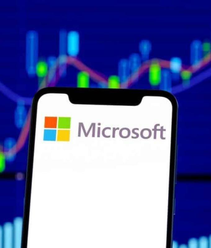مايكروسوفت تتخطى التريليون دولار لتوقعها المزيد من النمو في…