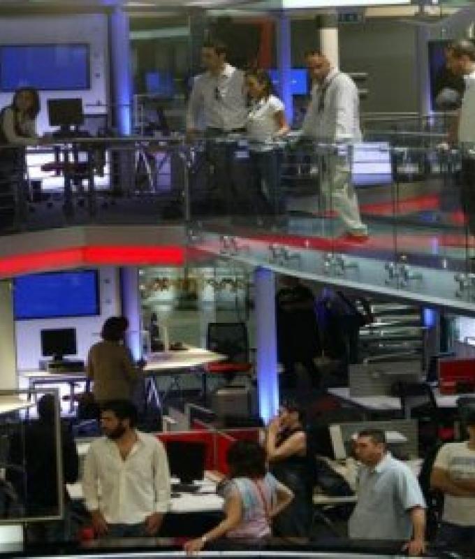 """خطة الحريري لصرف موظفي تلفزيون """"المستقبل"""""""