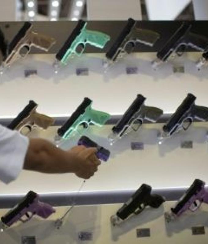 بولسونارو ألغى مرسوما يخفف ضوابط حيازة الأسلحة في البرازيل