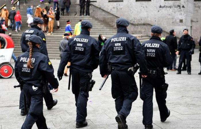 ألمانيا.. شرطة بوتسدام تعثر على متفجرات في سوق تجاري
