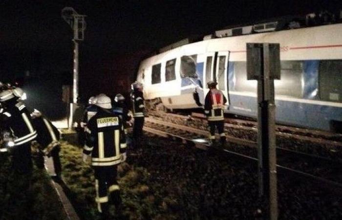 ألمانيا.. تصادم قطارين قرب دوسلدورف وإصابة عدة أشخاص