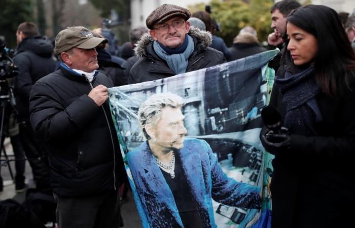 وفاة أيقونة الروك الفرنسي جوني هاليداي