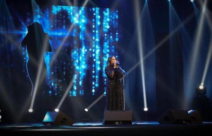 بالفيديو والصور: أول امرأة تغني في الرياض… هبة طوجي تُشعل السعودية