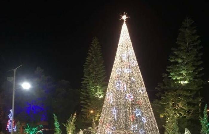 إضاءة شجرة الميلاد في صربا – النبطية