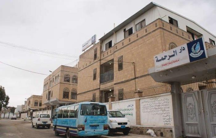"""ميليشيا الحوثي تقتحم منزل """"أم الأيتام"""" وتعتقل أبناءها"""
