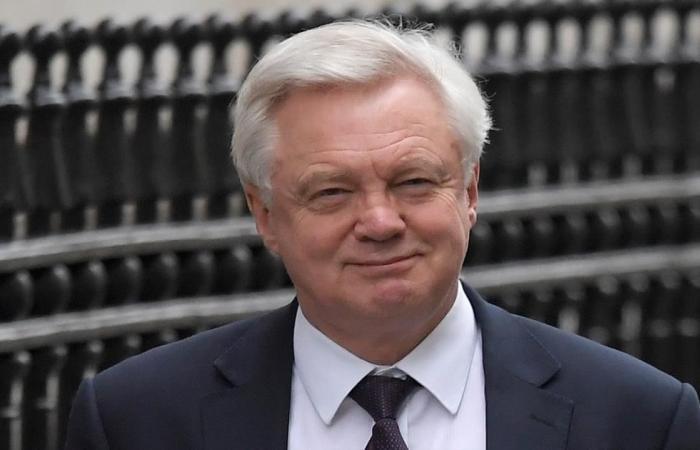 وزير: بريطانيا تسعى لاتفاق تجارة حرة مع الاتحاد الأوروبي