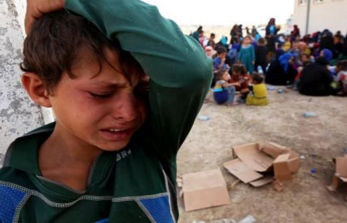 900 نازح جنوب الموصل يتضورون جوعاً بسبب إجراءات الحكومة