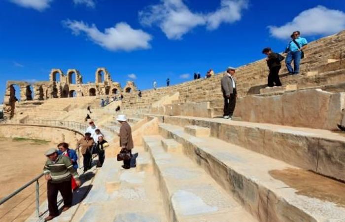 تونس تعوّل على اتفاق السماوات المفتوحة لدعم السياحة