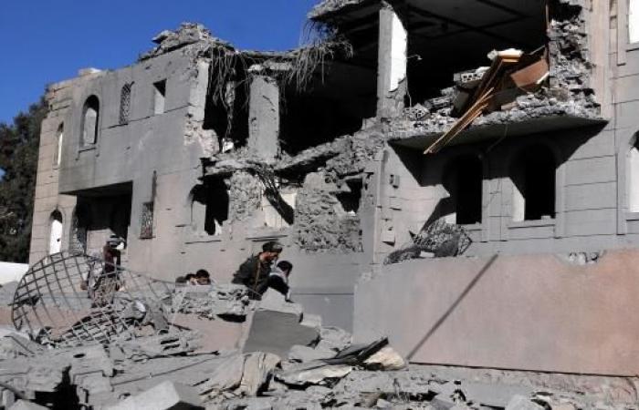 الحوثيون: التحالف استهدف مبنىً للأسرى بصنعاء ومقتل وإصابة العشرات