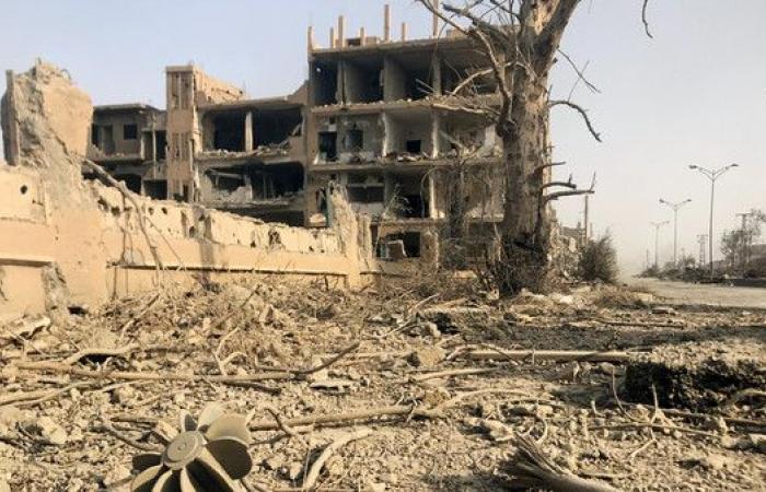 المرصد: مقتل 23 مدنيا بغارات للتحالف على دير الزور