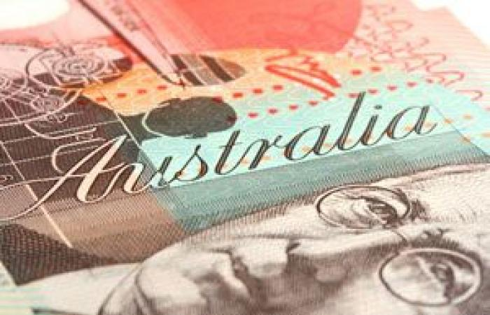 تحسن ثقة المستهلكين في استراليا يدعم ارتفاع الدولار الاسترالي