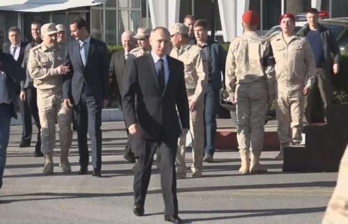 """لهذا السبب """"مُنع الأسد"""" من مرافقة بوتين في قاعدة حميميم"""