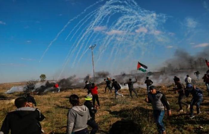 حدود غزة... حجارة وأعلام تواجه جيش الاحتلال