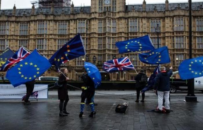 قمة الاتحاد الأوروبي تسعى لزيادة ميزانيات التعاون الدفاعي