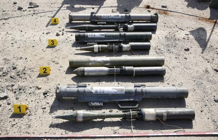 """أسلحة داعش.. من """"أم الشيطان"""" إلى دمى ودفايات مفخخة"""