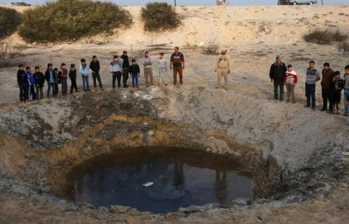 اعتراض صاروخين من غزة فوق إسرائيل..وغارة على موقع لحماس
