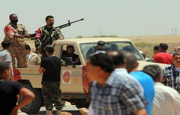 اشتباكات بالعاصمة طرابلس تمهيداً لعودة حكومة المؤتمر الوطني للواجهة