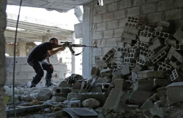 """سورية: معارك في الغوطة الشرقية ومقتل مدنيين بألغام """"داعش"""" في دير الزور"""