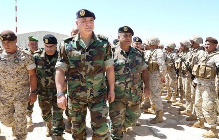 قائد الجيش أشرف على سير الامتحانات الخطية في مجمع الحدث الجامعي