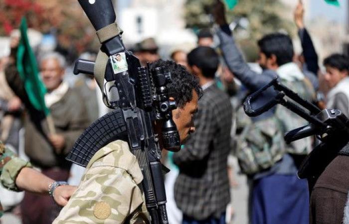 ميليشيا الحوثي تخفي 100 خبير إيراني بمنازل مدنيين بصعدة
