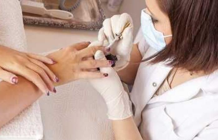 خطر العناية بالأظافر وعلاقتها بالتهاب الكبد الفيروسي