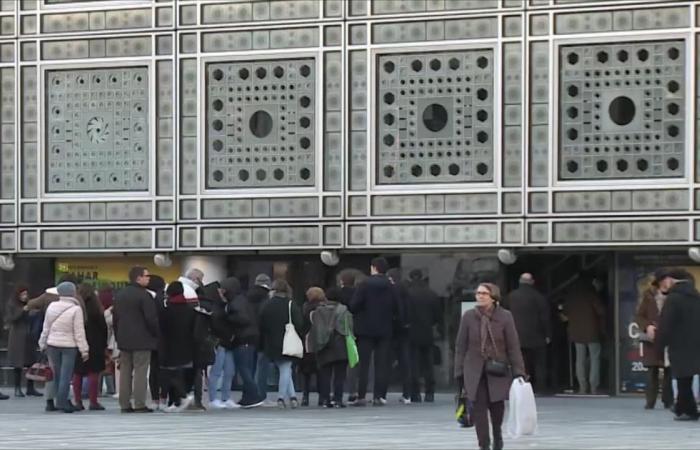 معهد العالم العربي في باريس يحتفي بلغة الضاد