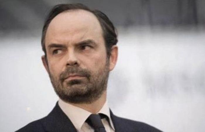 كيف دافع رئيس وزراء فرنسا عن رحلة جوية خاصة؟