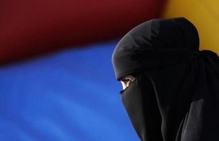 الحكومة السويسرية تعارض مبادرة حظر البرقع