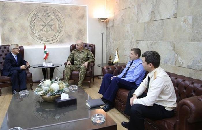 قائد الجيش استقبل زاسبكين وبحثا في علاقات التعاون