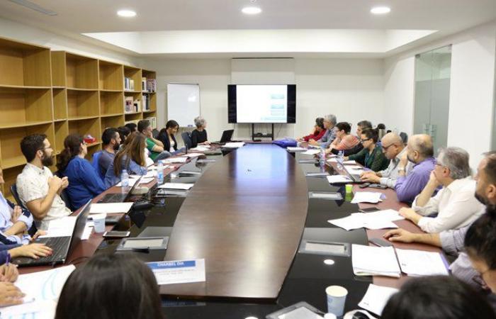 مدربون من المؤسسة الوطنية الفرنسية للأرشيف السمعي والبصري في جامعة الروح القدس