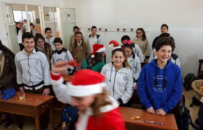بالصور: لجنة الاهل في معهد مار يوسف للاباء الكبوشيين في البترون احتفلت بعيد الميلاد