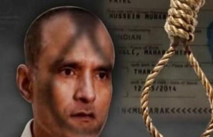أسرة جاسوس هندي معتقل تزوره في باكستان
