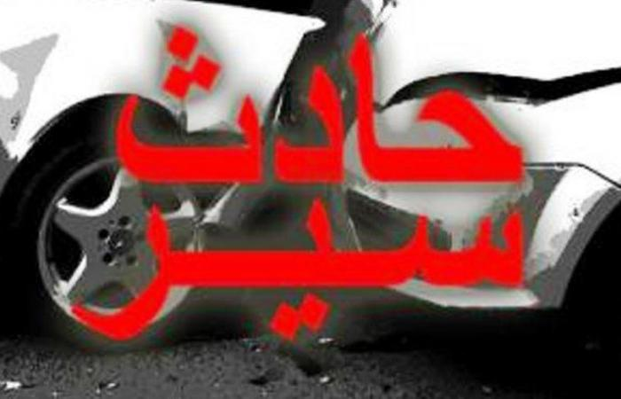 إصابة سائق برضوض بعد انقلاب شاحنته في مراح السراج