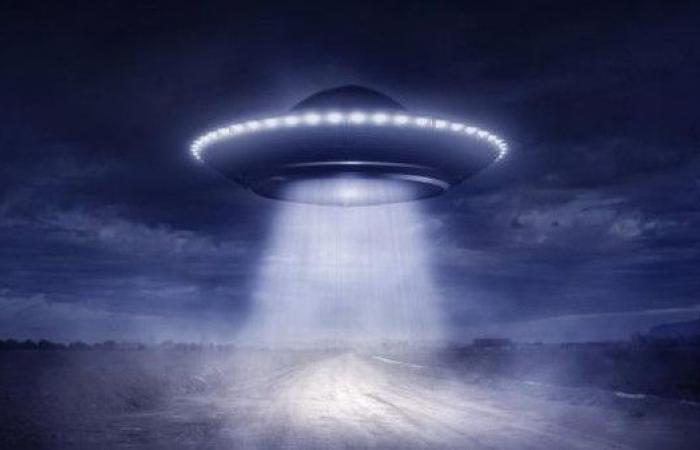 لماذا يكذب الناس في رواية قصص الكائنات الفضائية؟