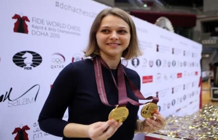 بطلة العالم في الشطرنج تقاطع بطولة السعودية