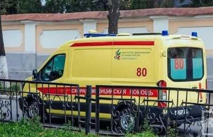 استخراج 150 مسمارا من معدة مسنة روسية